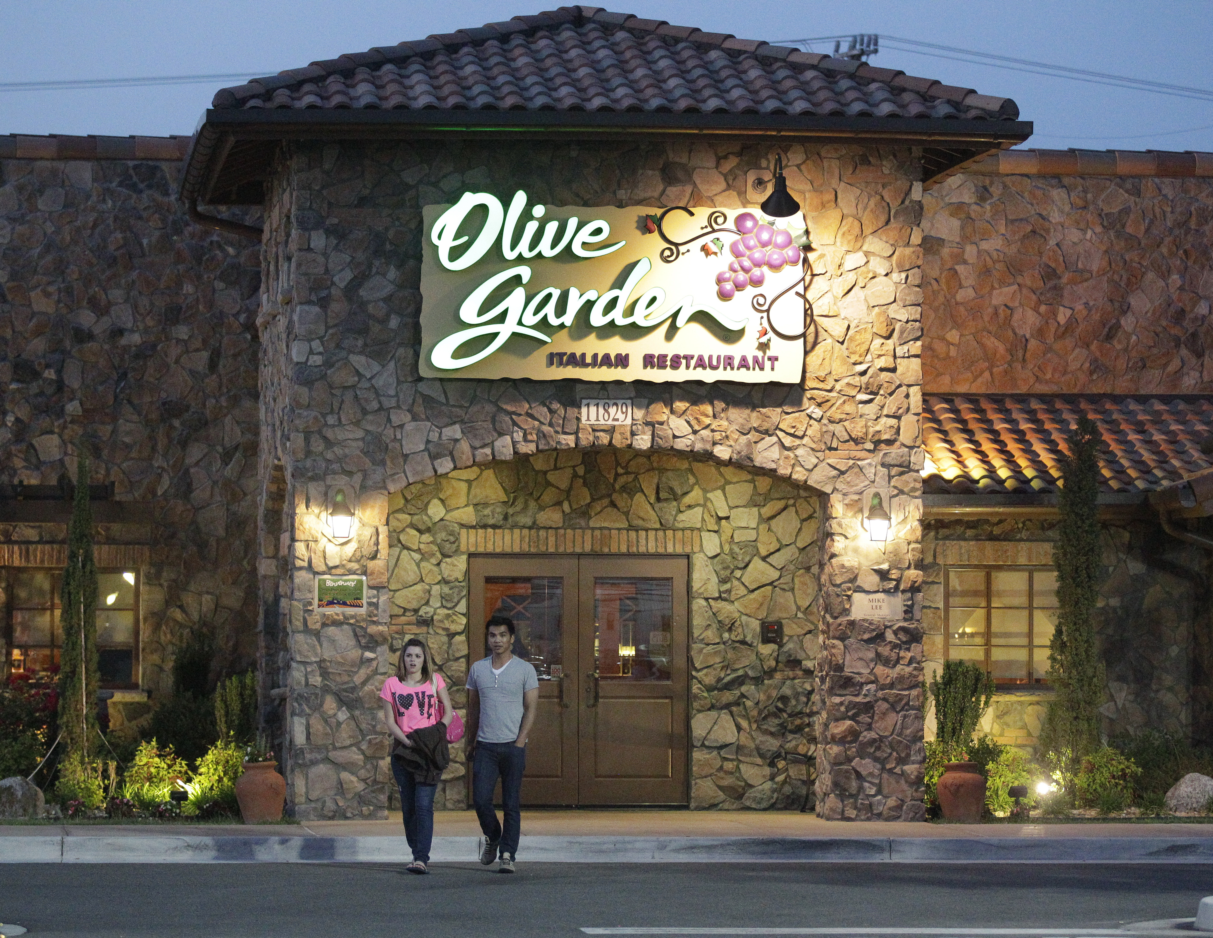 darden restaurant Get darden restaurants inc (dri:nyse) real-time stock quotes, news and financial information from cnbc.